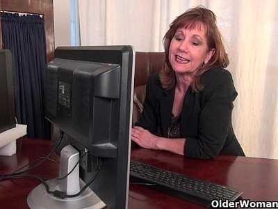 granny  office  pantyhose  pussy