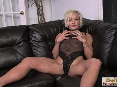 couch  fuck  housewife  tattoo  woman